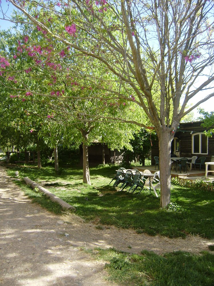 Aire camping-car à Meyrargues (13650) - Photo 2